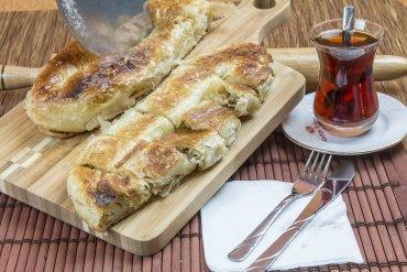 Peynirli Karaköy Böreği