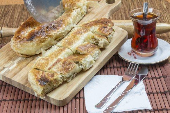 Kıymalı Karaköy Böreği