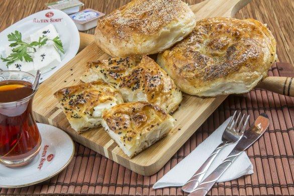 Peynirli Gül Böreği